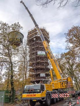 Kop van watertoren Duin en Bosch weggehaald