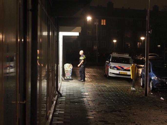 Snackbar Royal in IJmuiden voor zevende keer overvallen [video bewakingscamera]