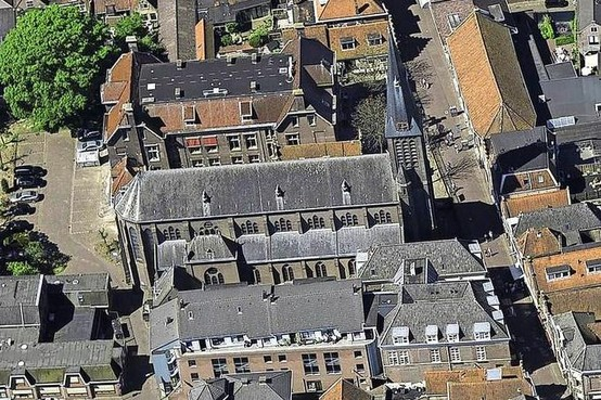 'Woningen in lege katholieke kerk van Enkhuizen ligt voor de hand'
