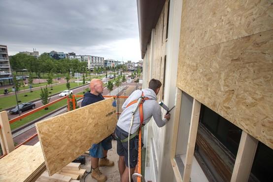 Sanering van asbest begonnen in Helderse oude postkantoor