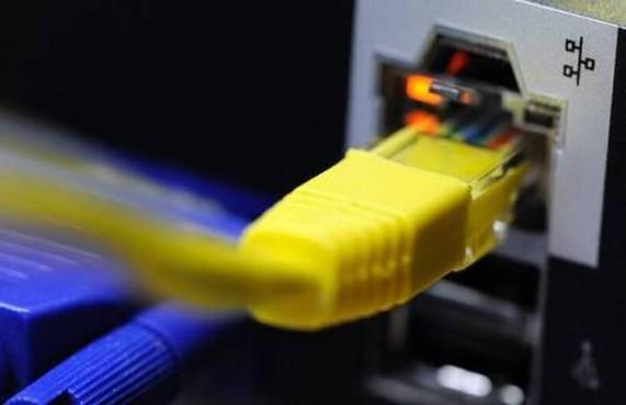 KPN-kabel opnieuw stuk getrokken in Eemnes: wéér geen internet