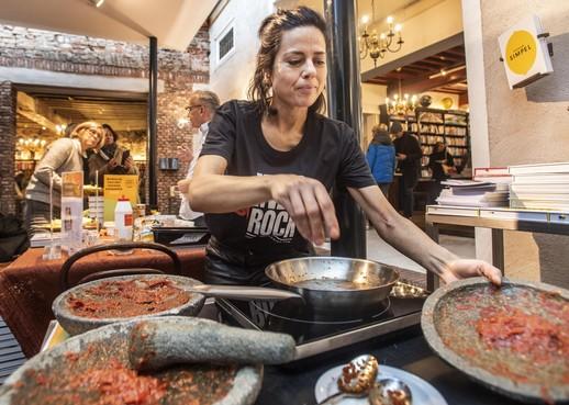 Zelf sambal maken in Haarlem met Vanja van der Leeden