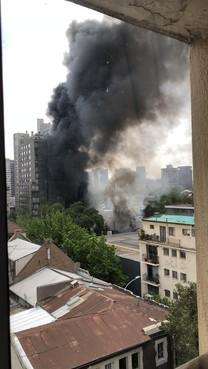 Haarlemse karateka's werken WK in Chili af tussen de brandende bussen en 'in het epicentrum van de rellen' [video]