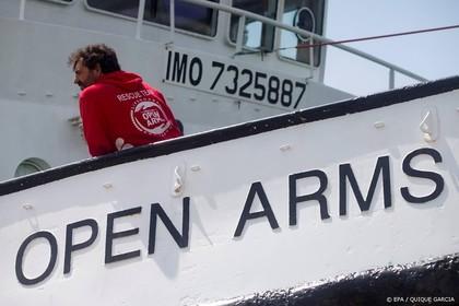 Schip met migranten gaat naar Lampedusa