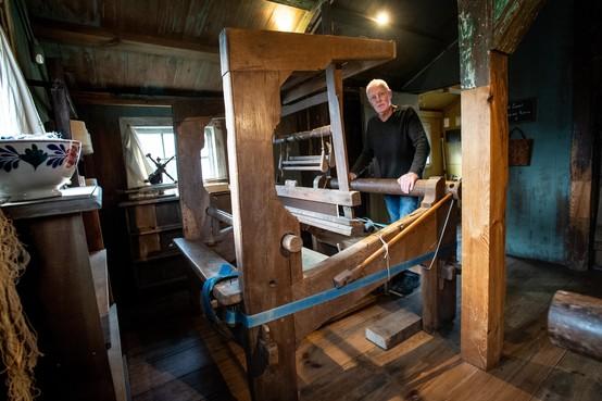 Wevershuis weer weefgetouw rijker: 'Deze mocht niet in de open haard belanden'