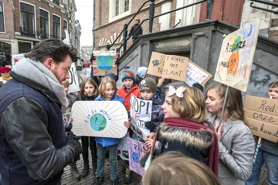 Overtuigende klimaatstaking Vrije School Kleverpark bij stadhuis Haarlem
