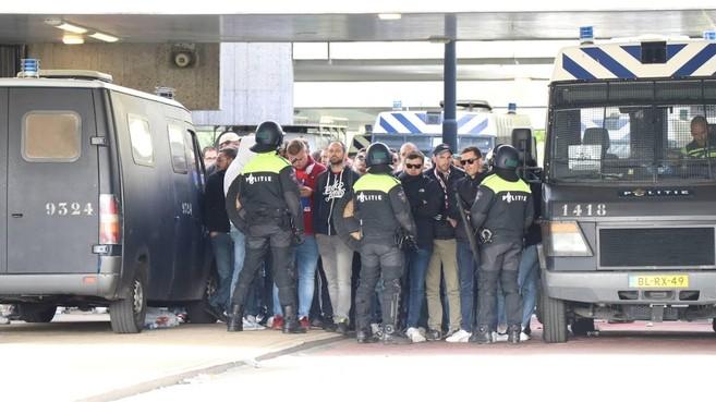 Zes Lille-supporters blijven vast in Amsterdam