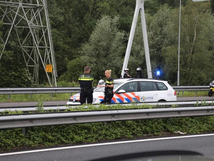 Automobilist gereanimeerd op A9 bij Spaarndam