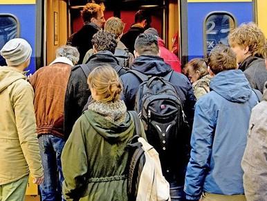 Leiden-Alphen in top zes volle treinen