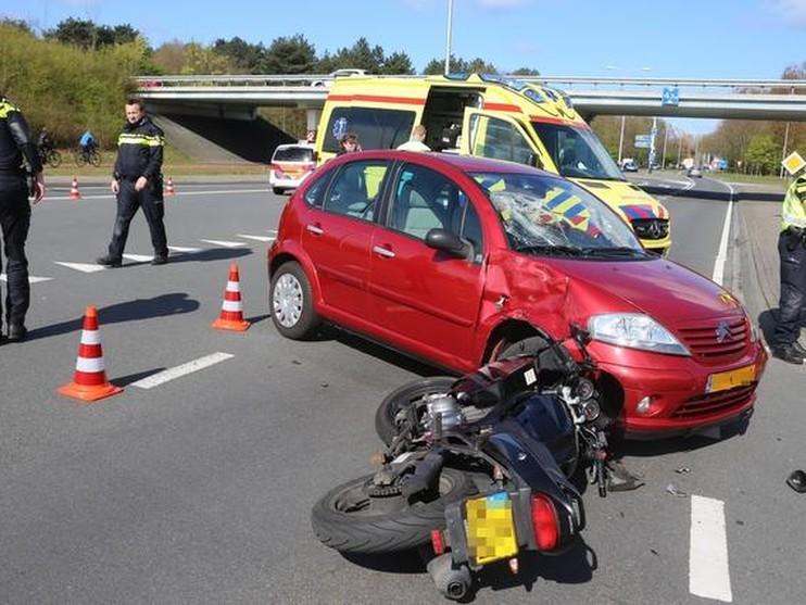 Motorrijder raakt gewond bij ongeluk op N443 in Noordwijkerhout