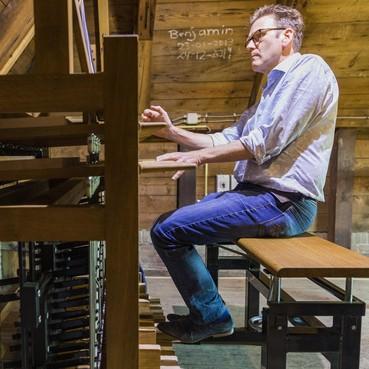 Los op het nieuwe carillon van de Grote Kerk in De Rijp