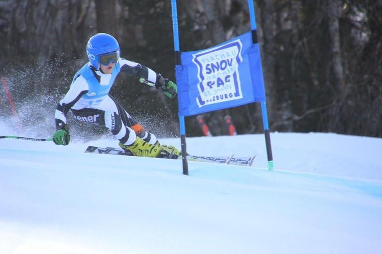 Hilversums skitalent Fabio (11) glijdt zaterdag 'volle bak' de Zwitserse berg af