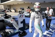 Lewis Hamilton na zijn zege. © Reuters