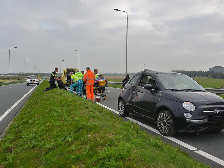 Auto gelanceerd in Schiphol-Rijk: bestuurder gewond