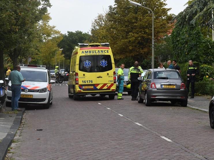 Tuinman valt door asbestdak in Wassenaar