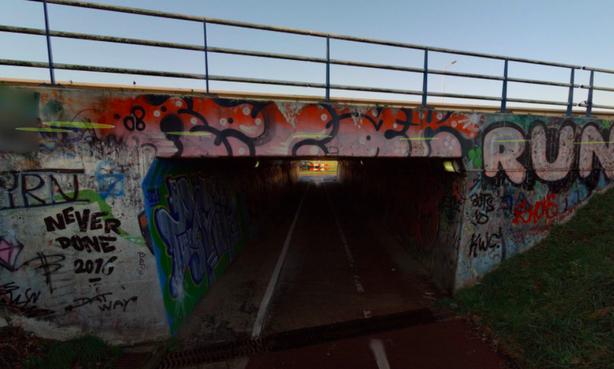 Gemeente Velsen pakt wateroverlast fietstunneltje Slaperdijk aan