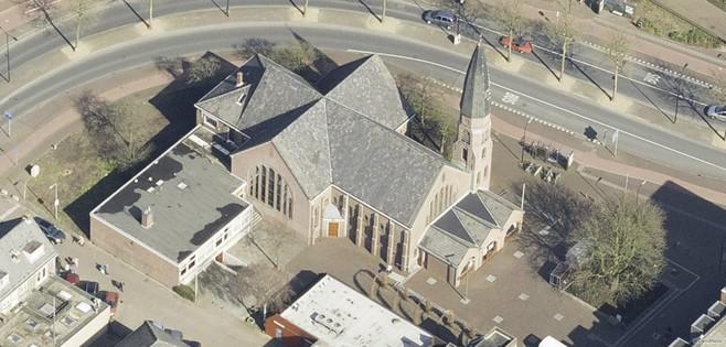 Kerk Het Kruispunt in Voorschoten na zeven jaar toch verkocht: 'koper beraadt zich op een bestemming'