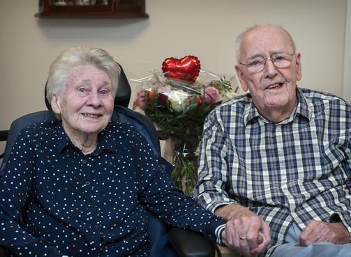 Jan (94) uit Velsen over zijn vrouw Hillie (89): 'Ze is volgens mij nog steeds verliefd op me, na zeventig jaar'