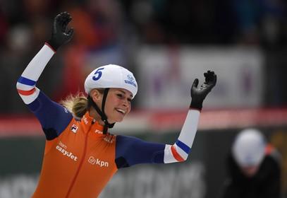 Irene Schouten schaatst naar zege in Zweden