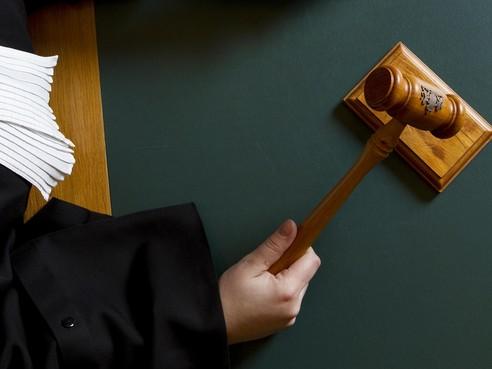 IJmuidenaar gestraft om botsing en vlucht