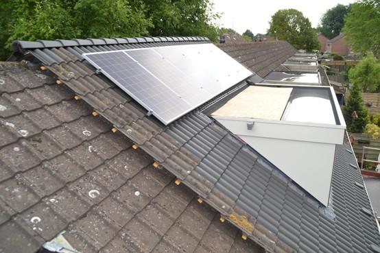 Zonnepanelen maken huurwoningen in Enkhuizen zuiniger