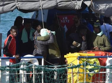 Sea-Watch redt weer tientallen migranten