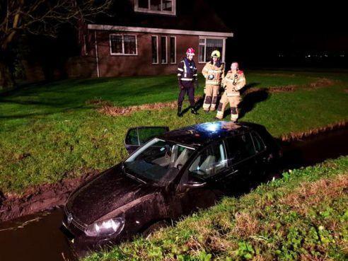 Auto te water in Akersloot mist op haar na een gasleiding