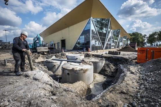 Voormalige showroom voor caravans en campers in Heerhugowaard wordt hypermoderne autowasstraat met stofzuigerplein en mattenklopmachines