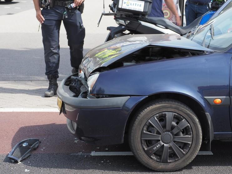 Gewonde bij ongeval op Rijksweg in Velserbroek