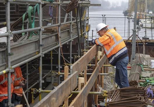 Probleem Alkmaarse Leeghwaterbrug bestond al tijdens keuze nieuwe opleverdatum