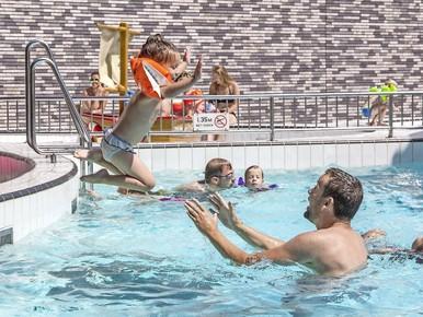 Nu al grote renovatie nodig voor zwembad Heersdiep