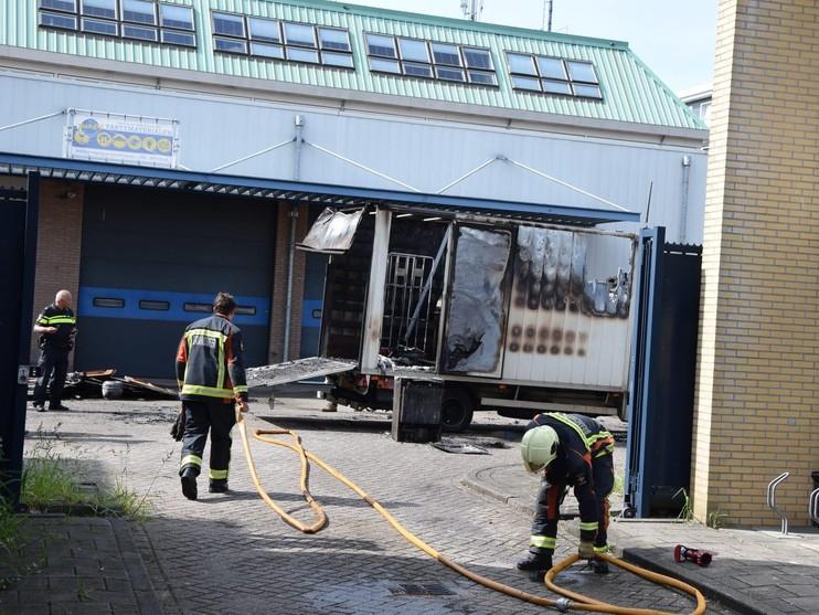 Bestelwagen in brand in Leiderdorp