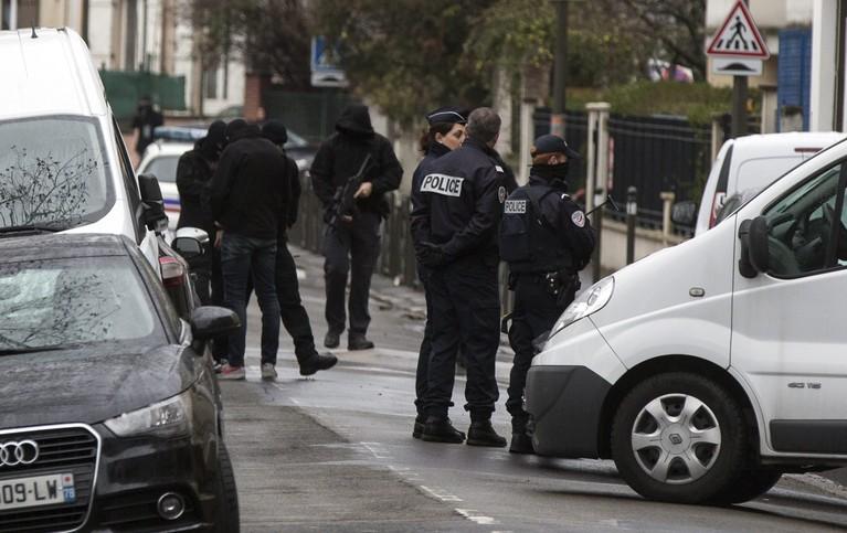 Man in jeugdgevangenis Sassenheim wordt verhoord over IS-wapens