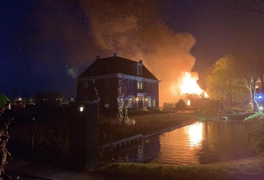 Brand in stolp Berkhout verwoest familiehistorie; 'Veel mooie herinneringen verloren gegaan' [video]