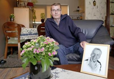 Jouke Bekius uit Wieringerwerf krijgt net op tijd een nieuw rijbewijs van het CBR en kan dus zelf naar zijn zieke zoon in Zandvoort blijven rijden