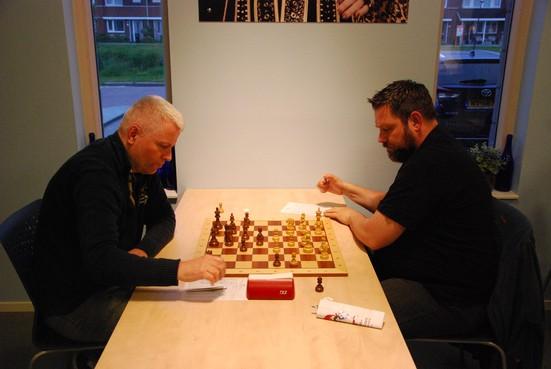 Einde schaaksoap om de West-Friese schaaktitel ongewis