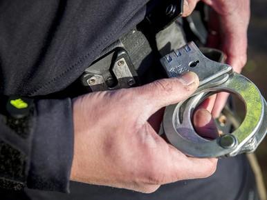 Vier personen aangehouden voor mishandeling in Purmerend, politie zoekt slachtoffer