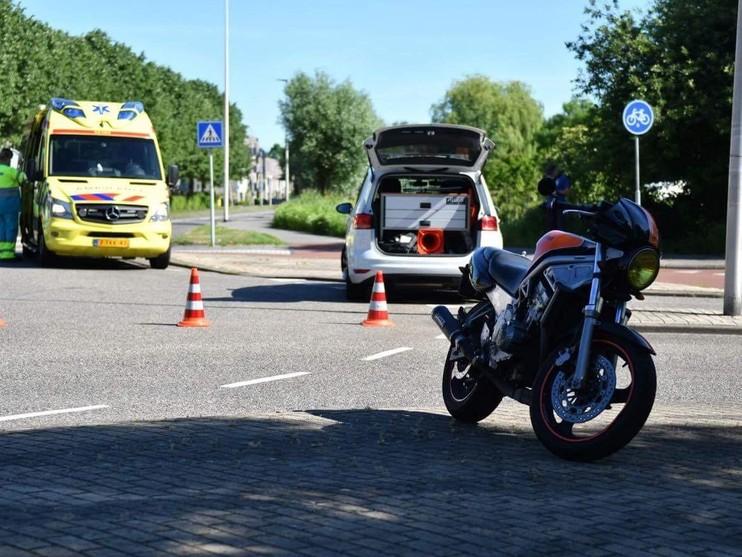 Motorrijder raakt gewond bij botsing in Alphen aan den Rijn