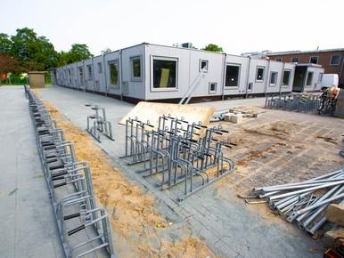Leefbaar Purmerend boos om illegale bouw noodlokalen