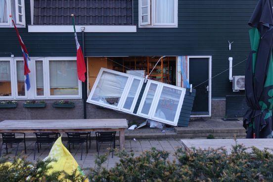 Burgemeester sluit hotel in Zaandijk tijdelijk na explosie