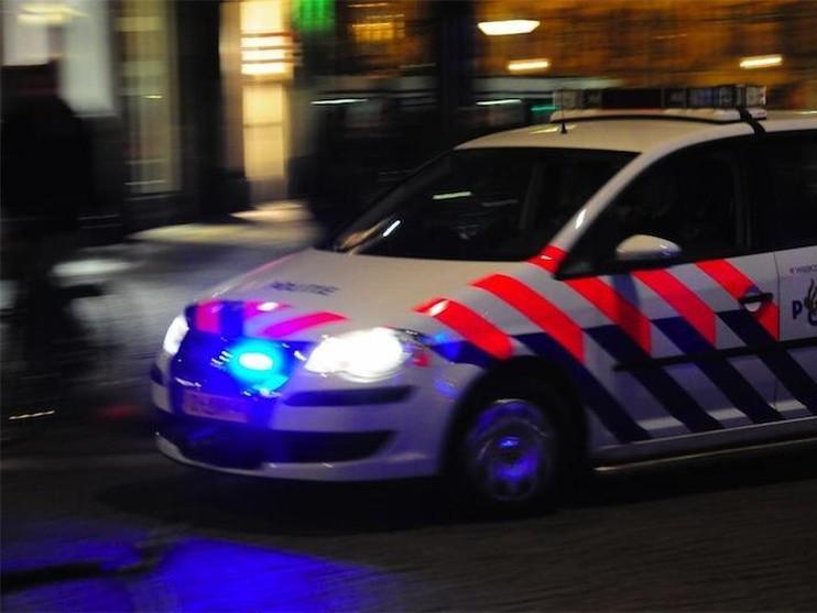 Venneper rijdt in op agent op Bosstraat, aanhouding na achtervolging
