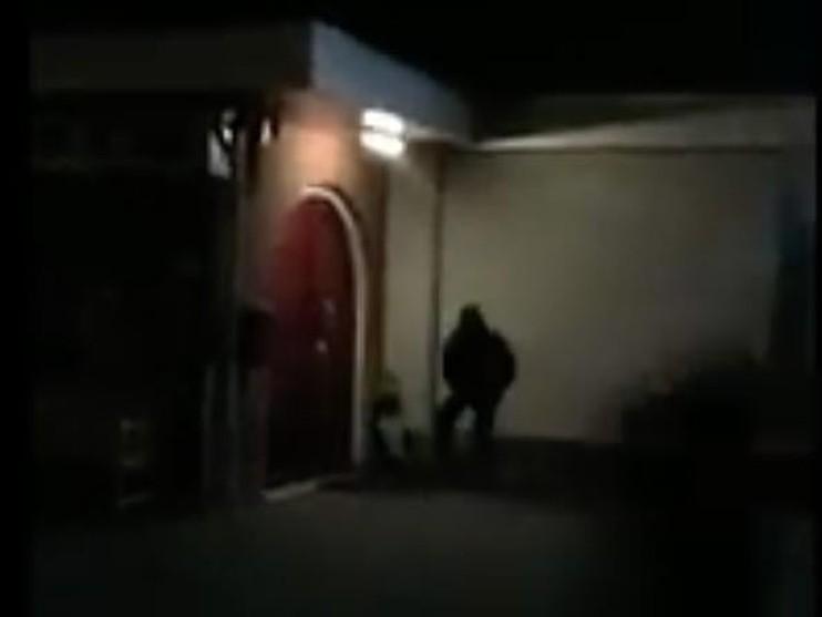 [Video] Elektrische sloten Gooise moskeeën vernield