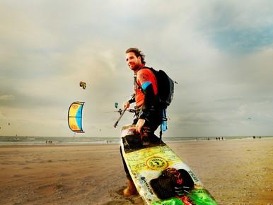 Recordpoging plasticsoupsurfer langs de kust: zwaar maar mooi