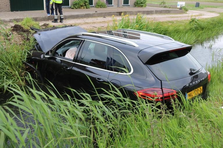 Eén persoon gewond bij flinke aanrijding in Voorhout