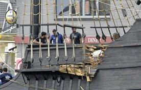 De aangevaren Nao Victoria mocht wel wegvaren tijdens de Sail-Out.