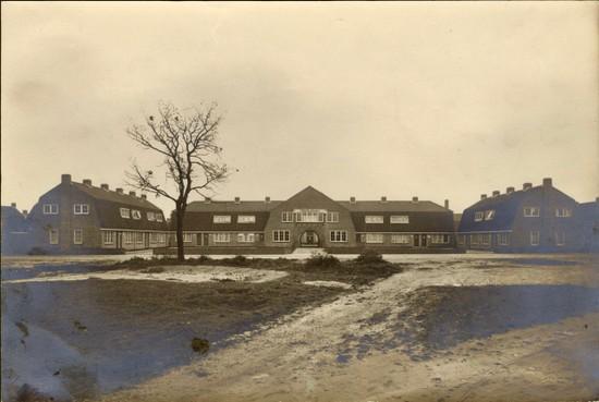 Dudoks eersteling staat in Hilversum, inmiddels een eeuw oud