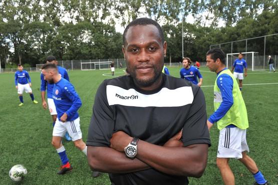 Gaten in muren: 'Ja er moet nog veel gebeuren bij RWZ', constateert nieuwe trainer Levinho Wijdenbosch