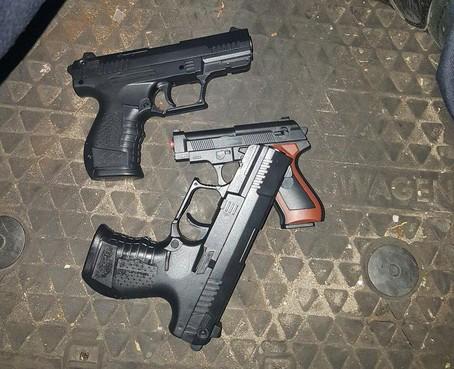 Melding man met pistool op straat: politie Den Helder neemt nepvuurwapens in beslag