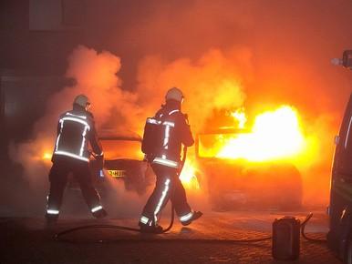 Auto's in brand in Van Speyklaan Baarn