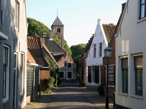 Gemeente wil oude dorp Velsen vrij van vrachtwagens